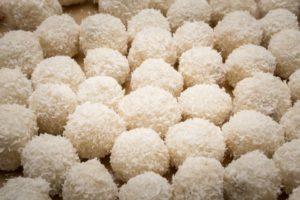 Köstliche Kokoskugeln